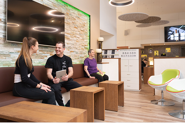 fitness_connection_gl_empfang_lounge_02600x400px__rgb