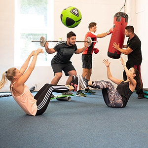 fitness_connection_pt_gruppenbasiertes_personal_training_300x300px_rgb_s